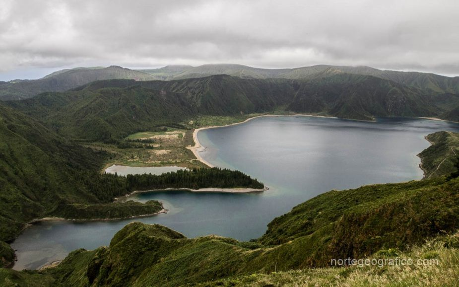 Azores, Sao Miguel. Día 4: Archipelago Arts Center, Lagoa do Fogo, Caldeira Velha
